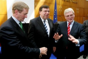 Irish politicians, from left, Enda Kenny of the Fine Gael party, Prime Minister Brian Cowen of the Fianna Fail party, and Eamon Gilmore of the Labour Party. (AP Photo/Niall Carson/-pa) **UNITED KINGDOM OUT: NO SALES: NO ARCHIVE:**