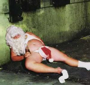 A traumatised Santa remains stranded at Dublin Airport, drowning his sorrows.